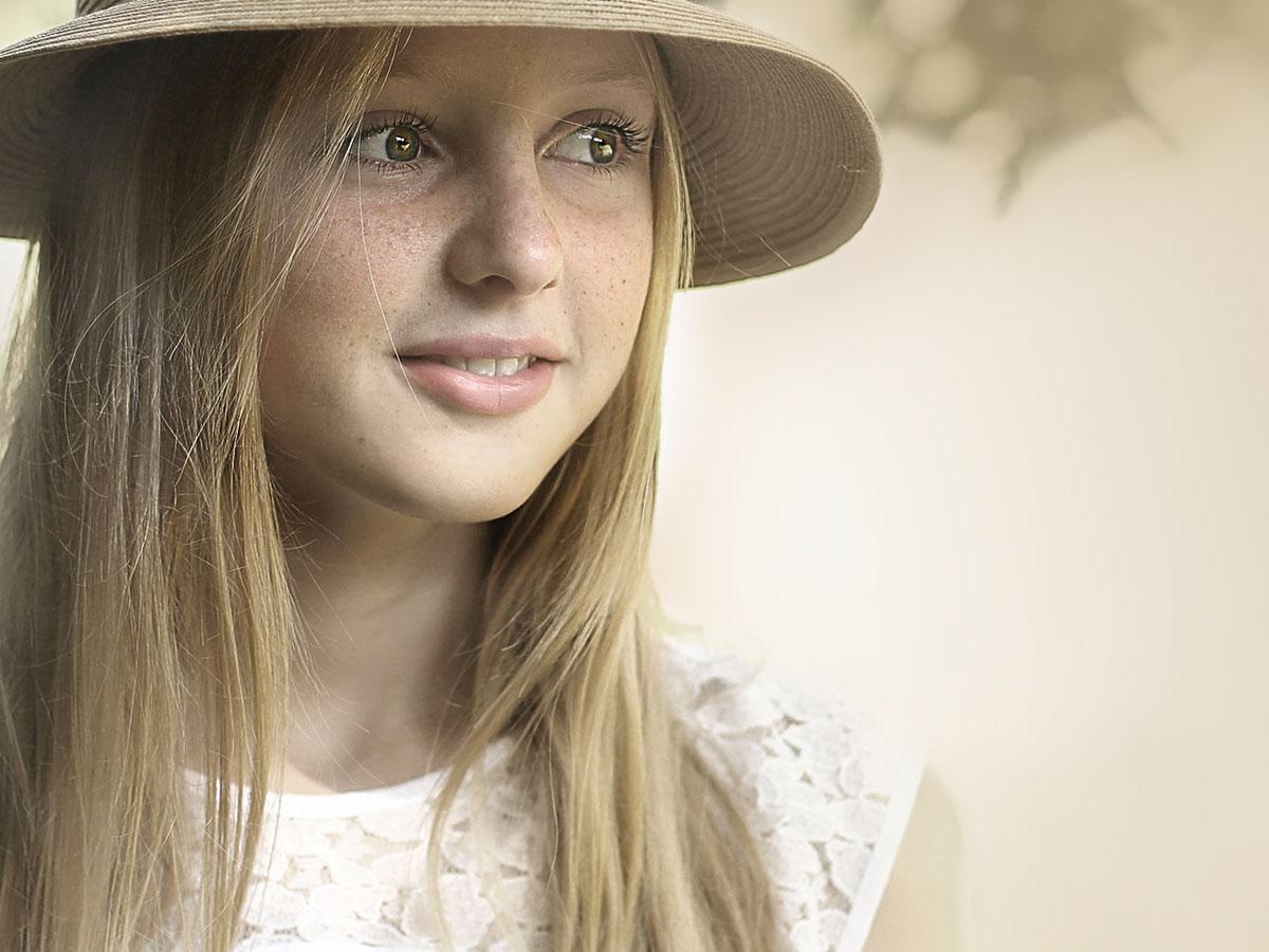 portret met hoedje
