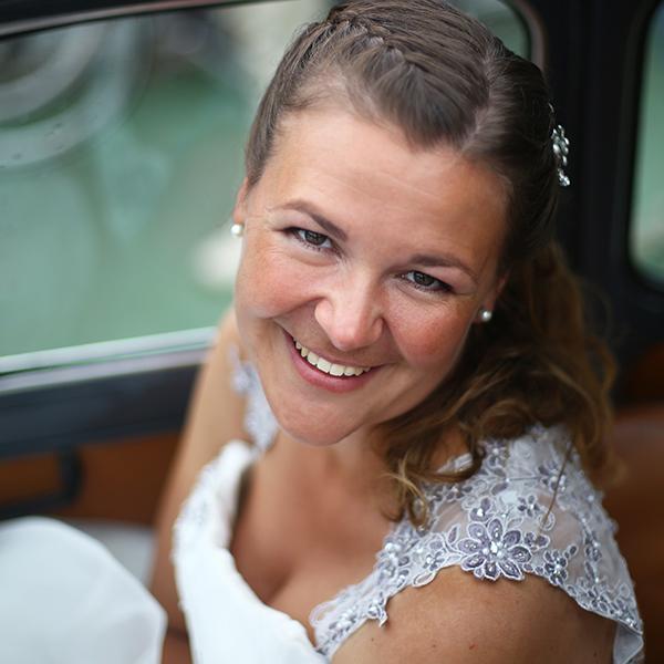 Een huwelijksreportage is emotioneel, spontaan en bijzonder.Jullie mooiste dag! Als bruidsfotograaf maak ik een liefdevolle en een mooie herinnering.
